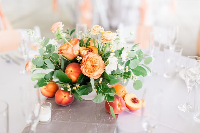 peach table flowers